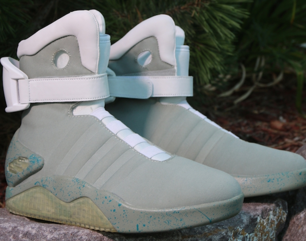 nike-air-mag-back-to-the-future-00