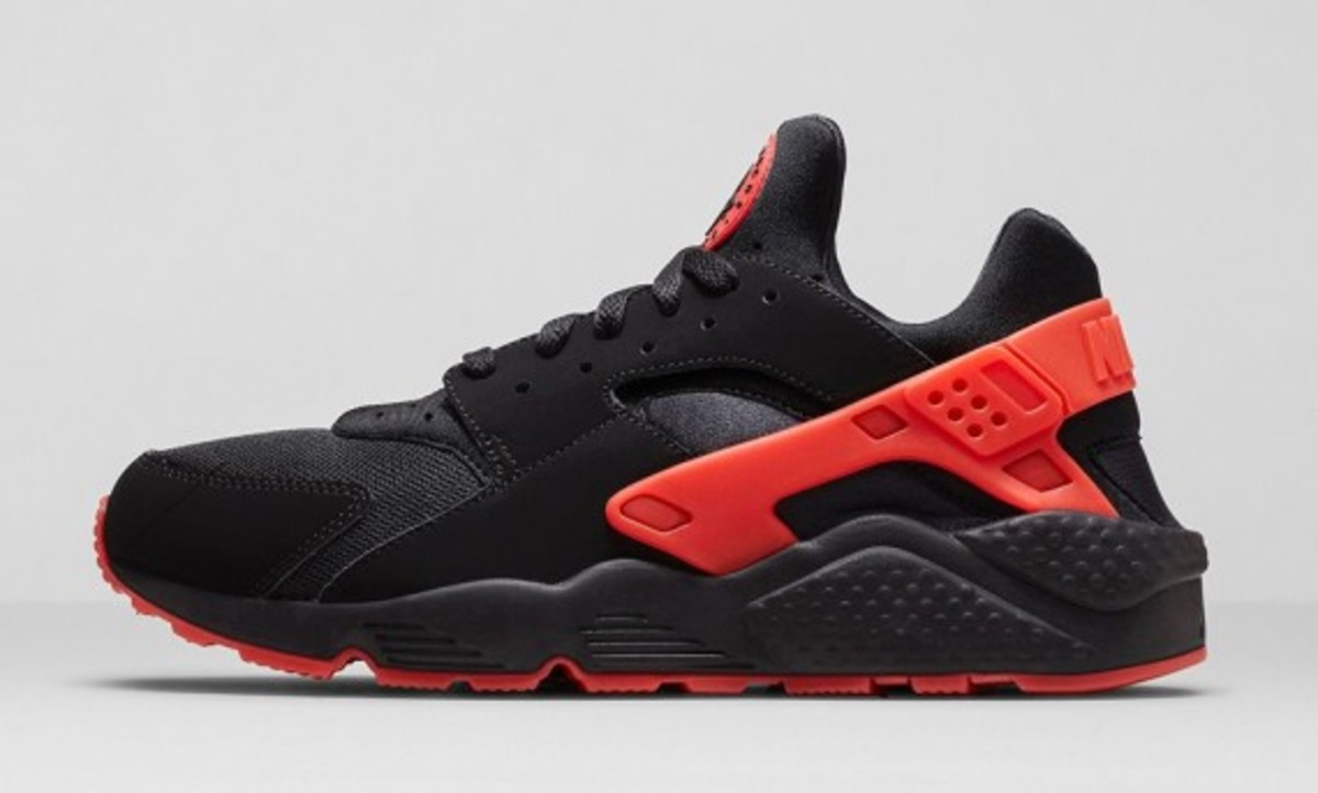 nike-huarache-black-red-01