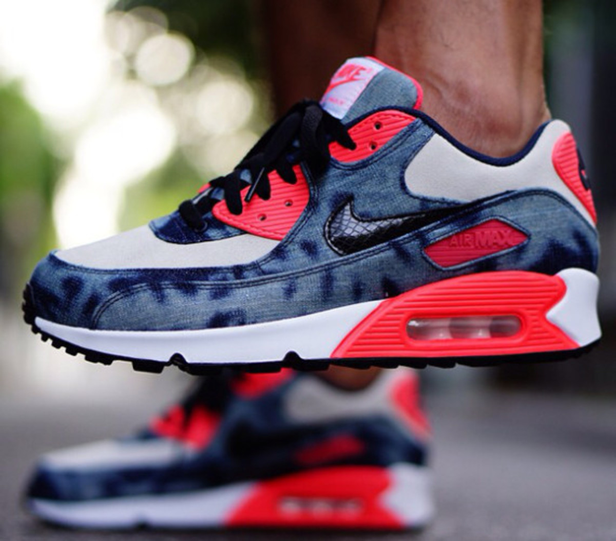 nike-air-max-90-infrared-washed-denim-on-foot-01