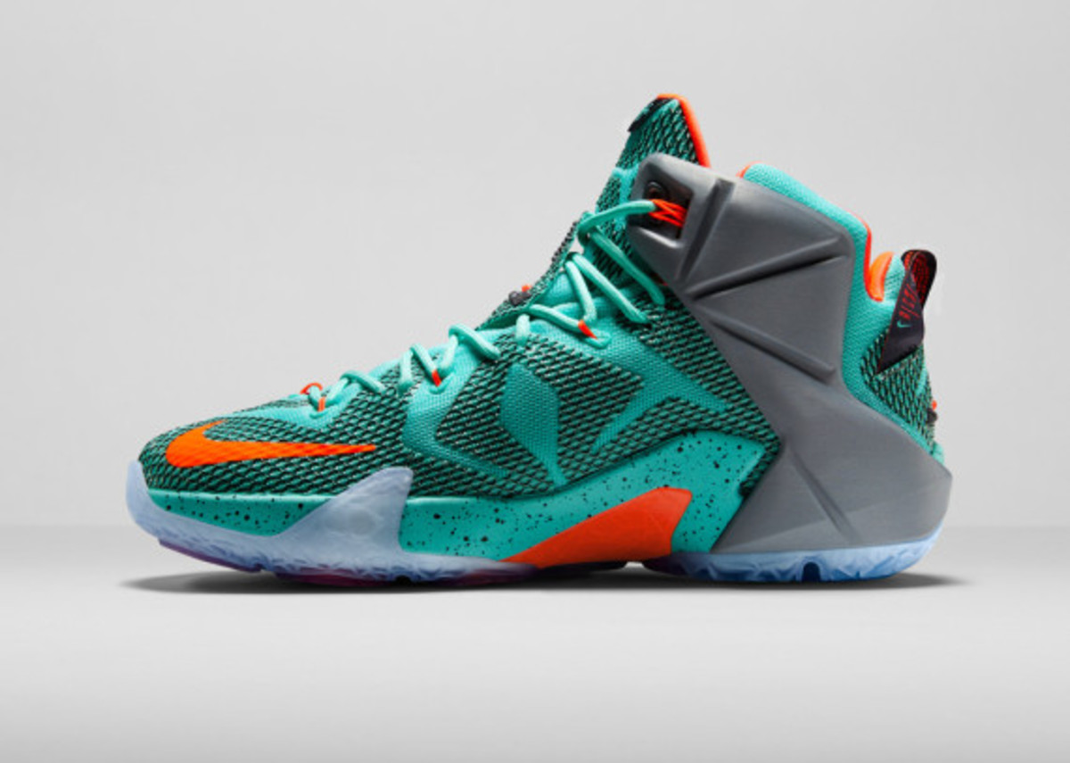 nike-lebron-12-officially-unveiled-06