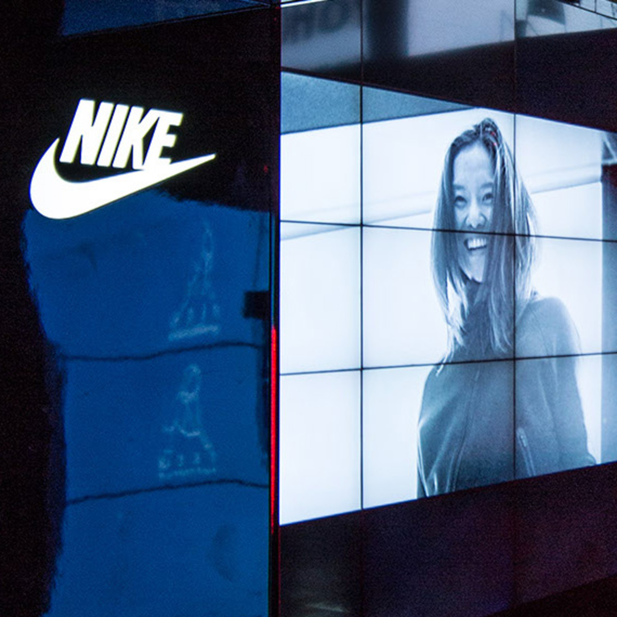 nike-tech-pack-retail-experience-booth-shanghai-14
