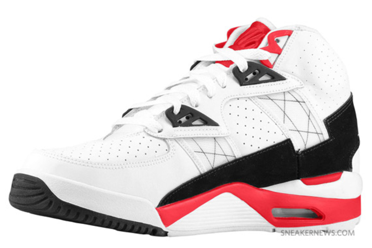 nike-air-trainer-sc-white-red-grey-3