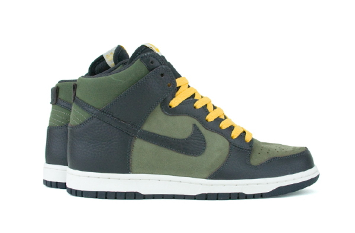 nike-sportswear-fall-2010-available-now-2