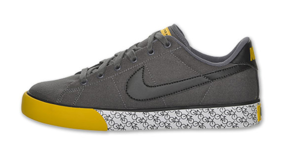 nike-sweet-classic-low-canvas-livestrong-02