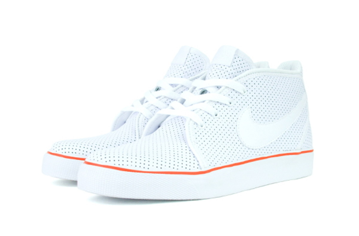nike-sportswear-fall-2010-available-now-6