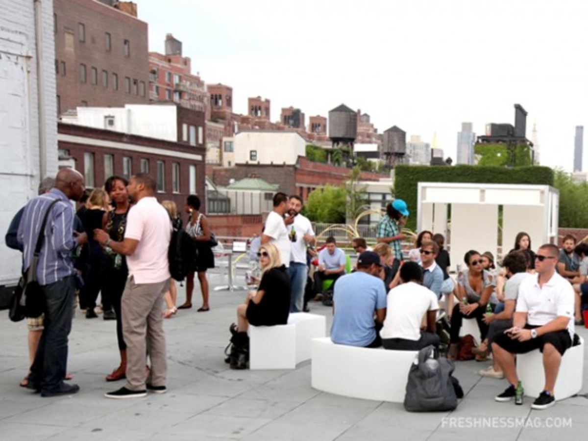 capsule-2010-nyc-rooftop-party-08