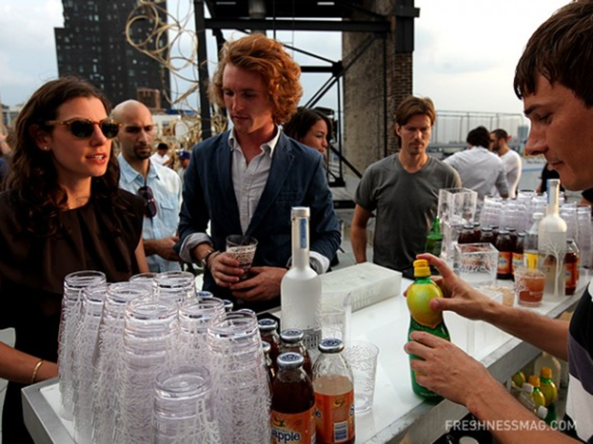 capsule-2010-nyc-rooftop-party-02