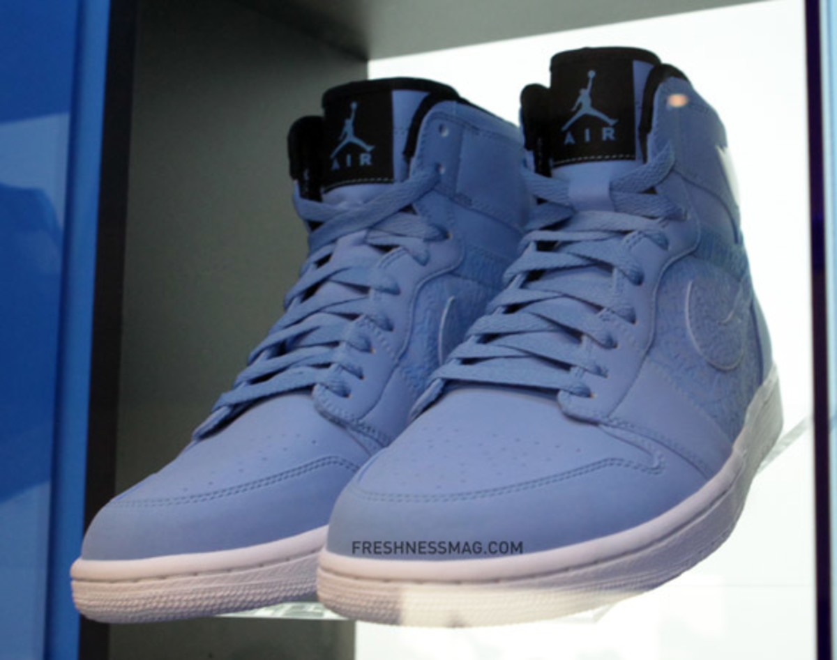 air-jordan-blue-lasered-collection-02