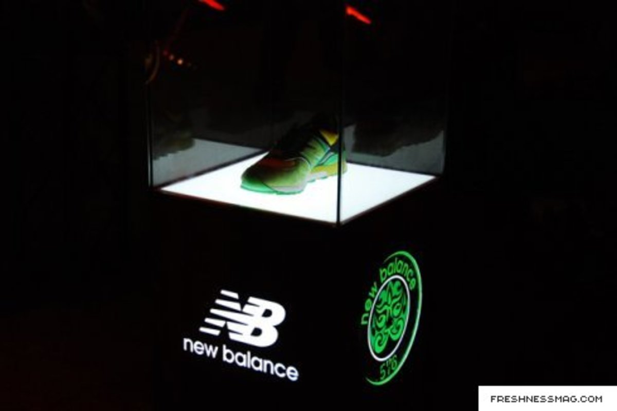 new_balance_china_mask_125.jpg