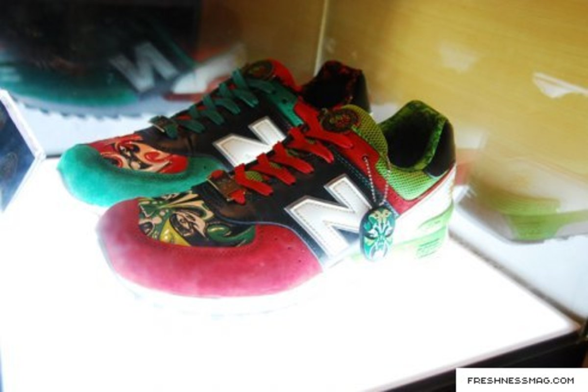 new_balance_china_mask_067.jpg
