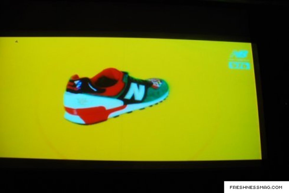 new_balance_china_mask_056.jpg
