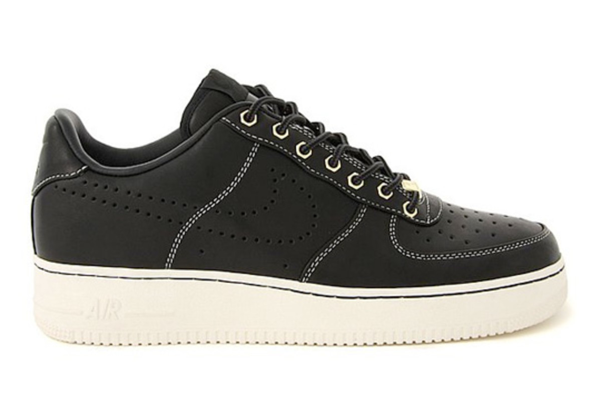nike-air-force-1-low-hiking-holiday-2010-1