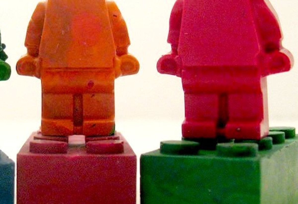 lego_minifig_recycled_crayons-sm