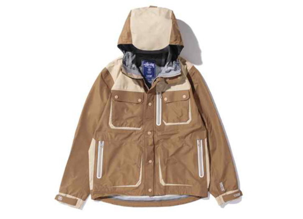 Stussy-x-13DW-Gore-Tex-Tactics-Field-Jacket-2