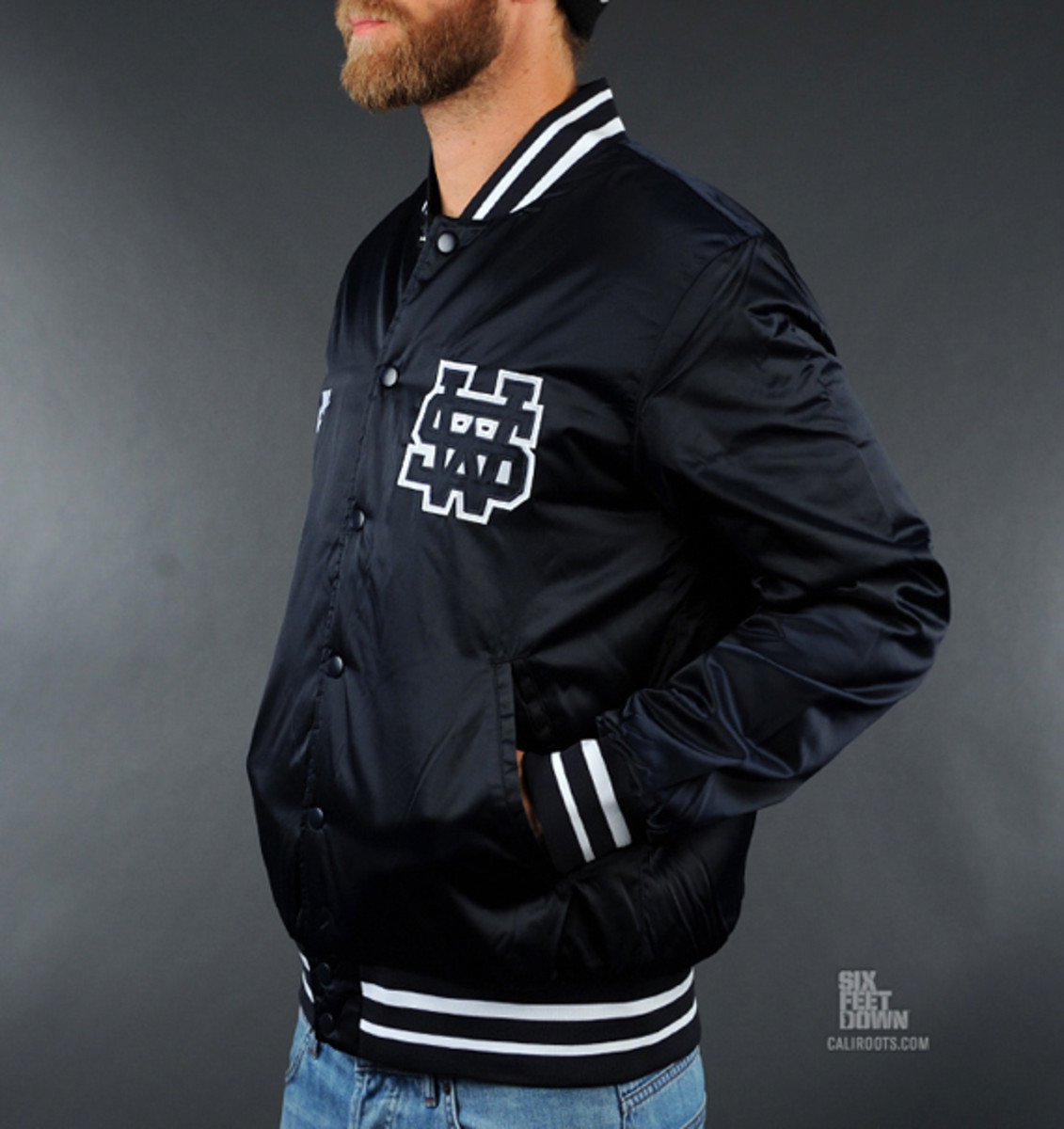 nike-sportswear-varsity-destroyer-jacket-black-02
