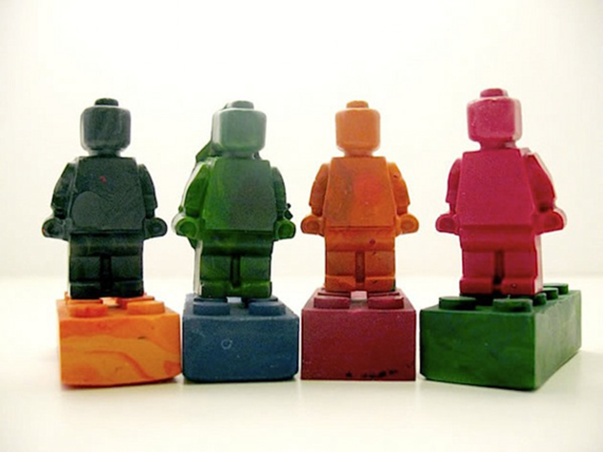 lego_minifig_recycled_crayons