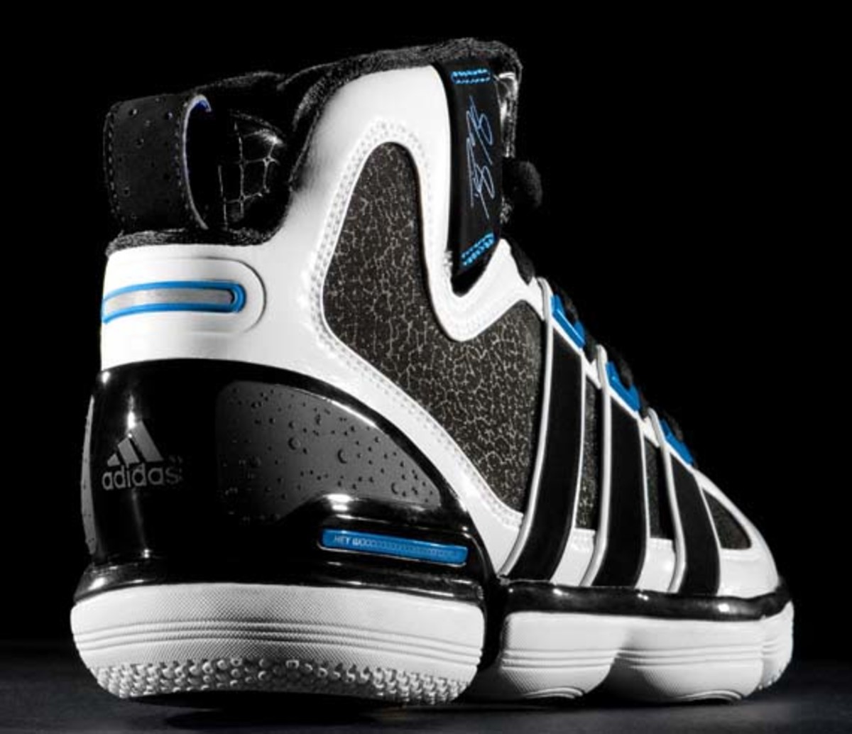 adidas-basketball-beast-dwight-howard-5
