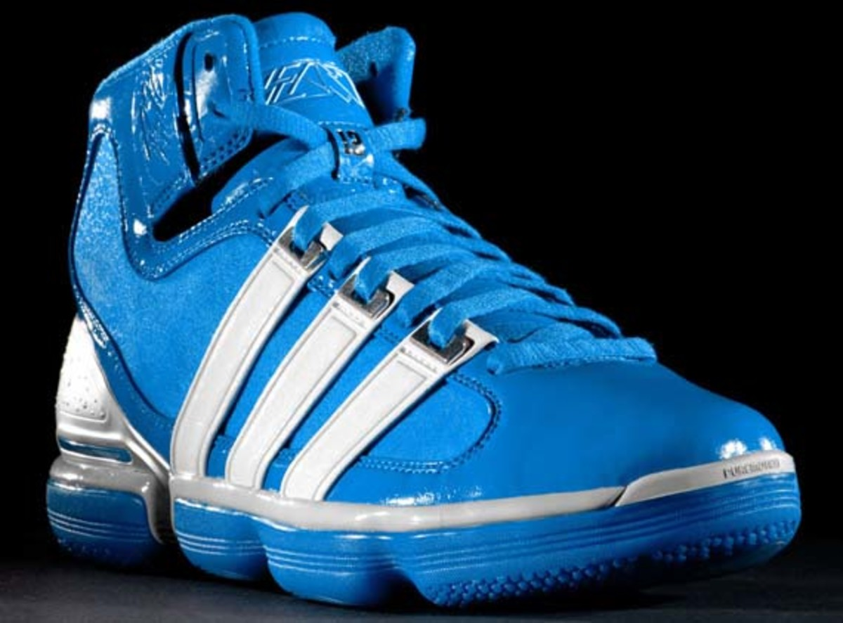 adidas-basketball-beast-dwight-howard-4