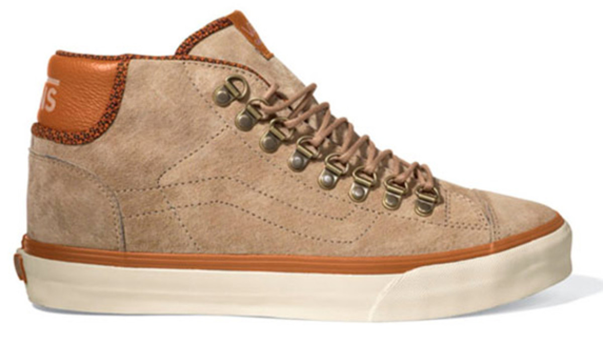 vans-california-mid-77-hiker-available-02