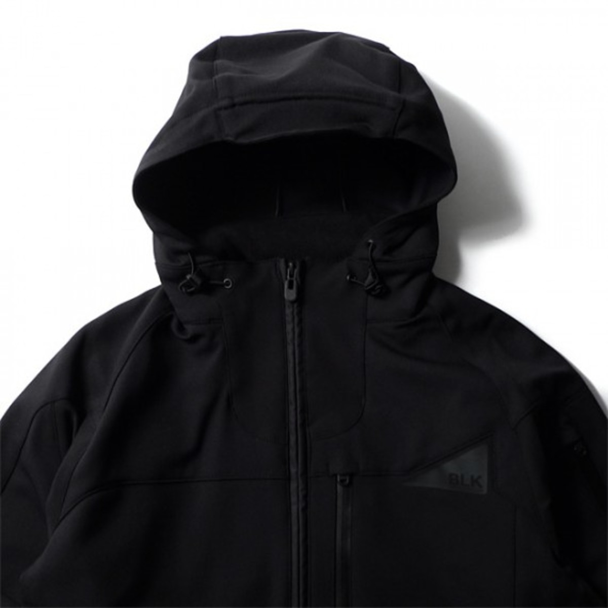 blk-by-white-mountaineering-mustang-04