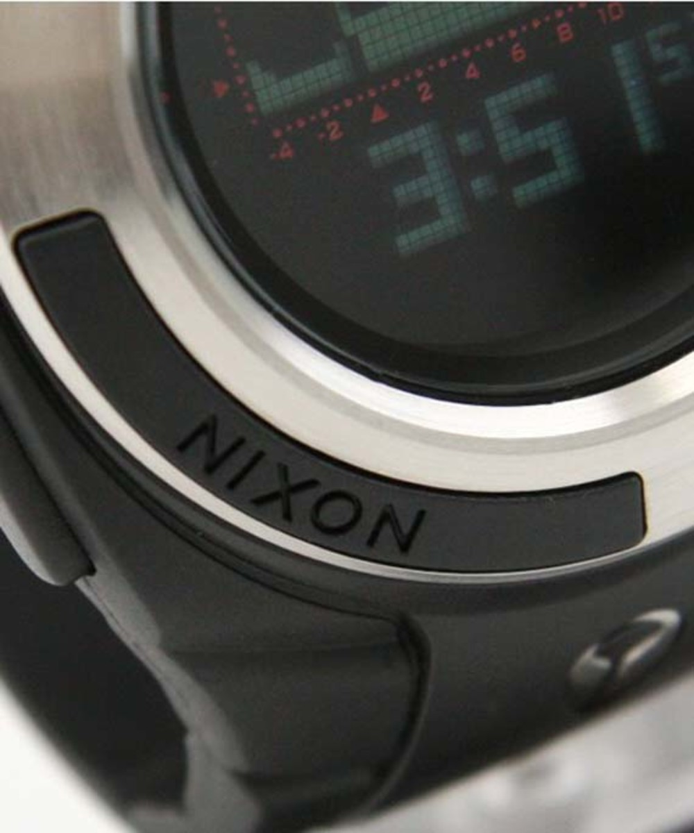 nixon-outsider-watch-9