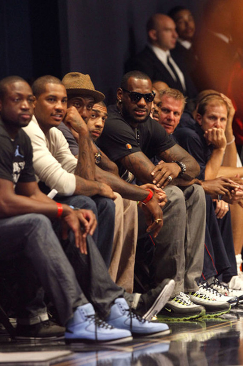 lebron-james-complex-off-court-sneaker-moment-2