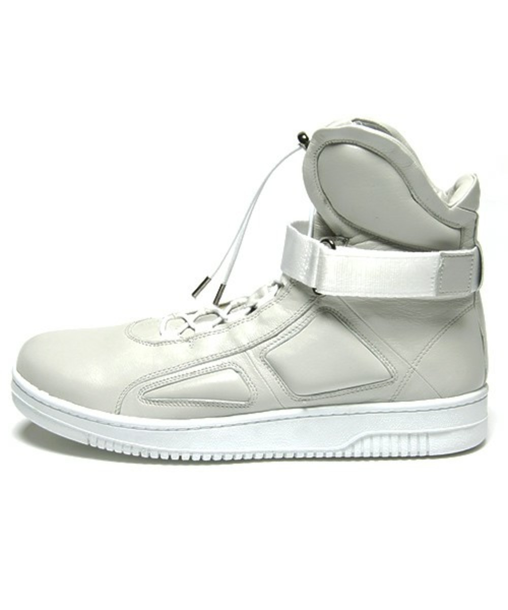 Marc Jacobs High Top Sneakers 1