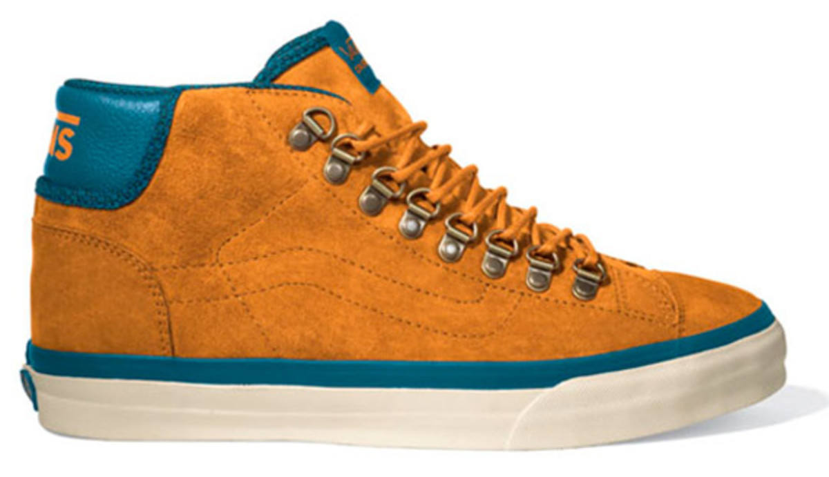 vans-california-mid-77-hiker-available-03