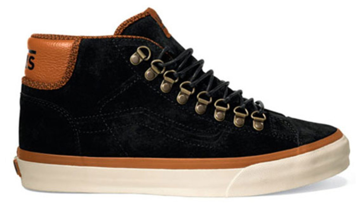vans-california-mid-77-hiker-available-04