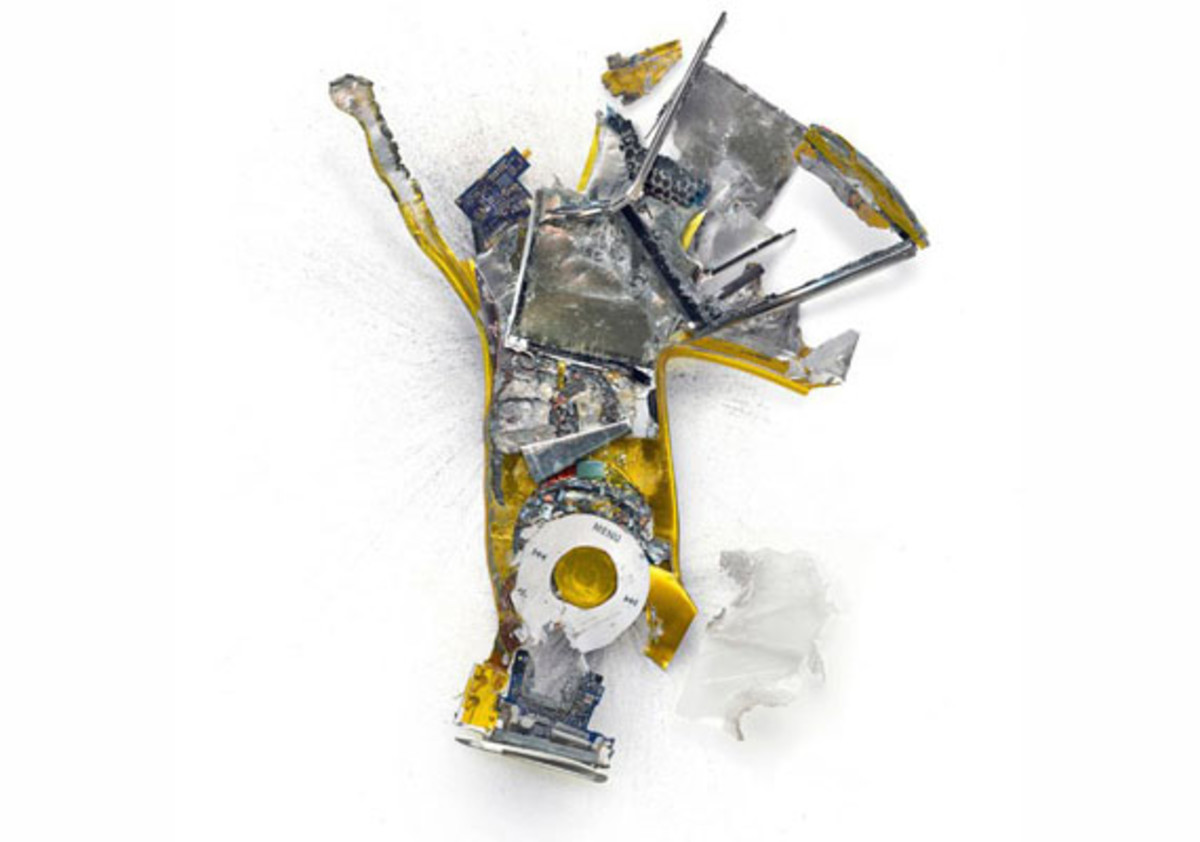 destroyed-apple-products-8