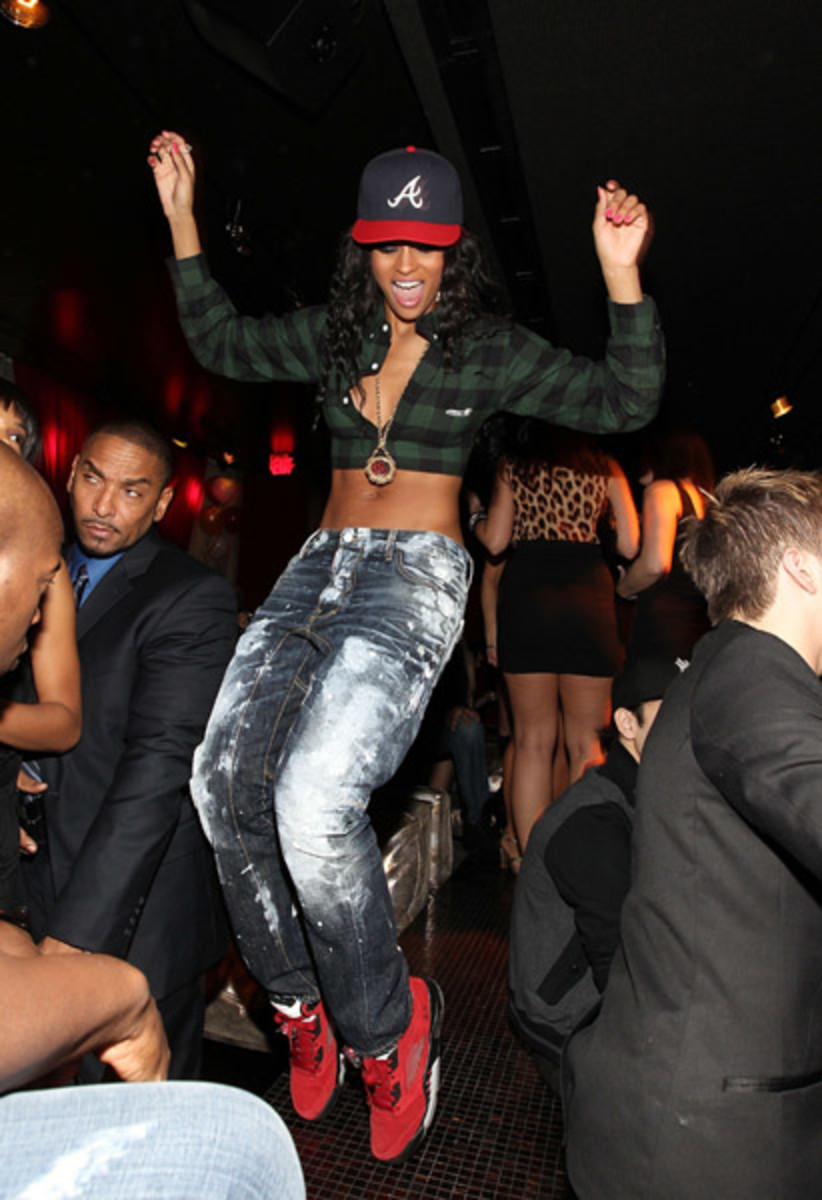 fresh-celeb-ciara-air-jordan-v-raging-bull-3