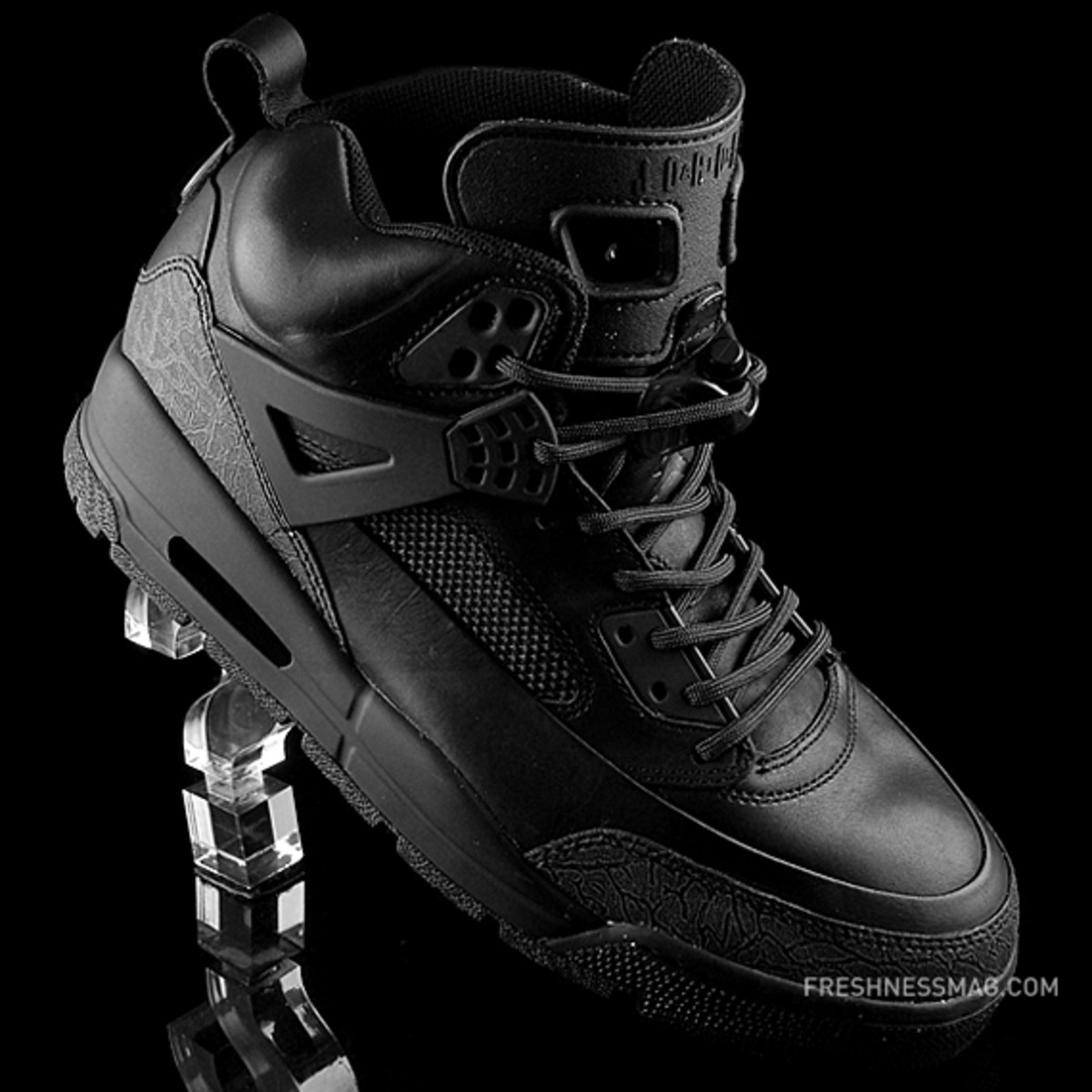 air-jordan-winterized-spizike-black-anthracite-01