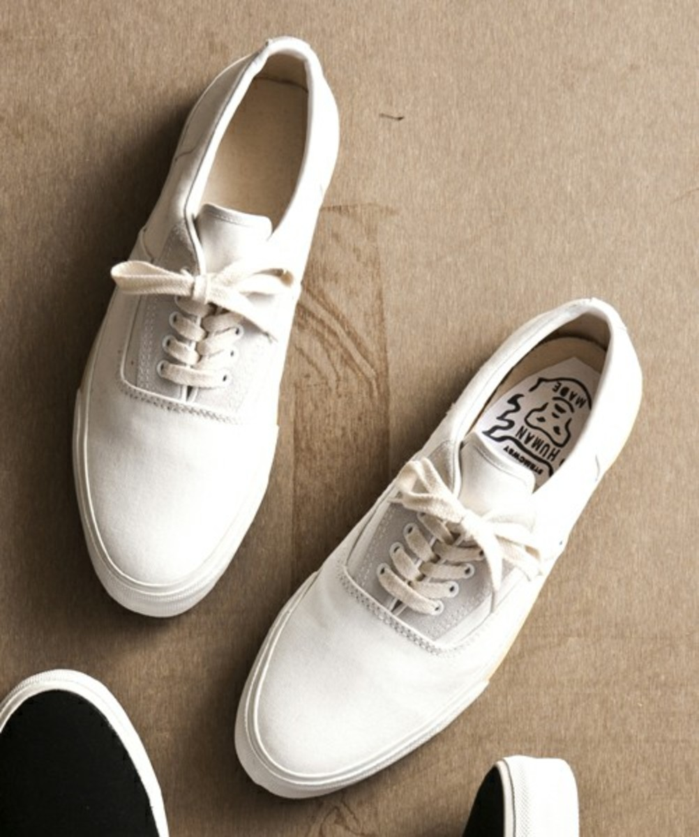 Deck Sneakers White
