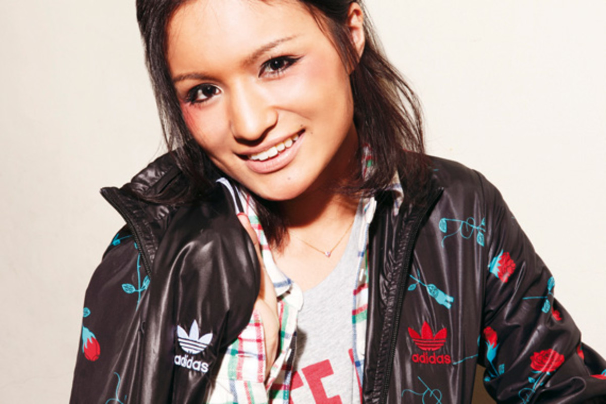 adidas-originals-japan-women-2010-lookbook-11