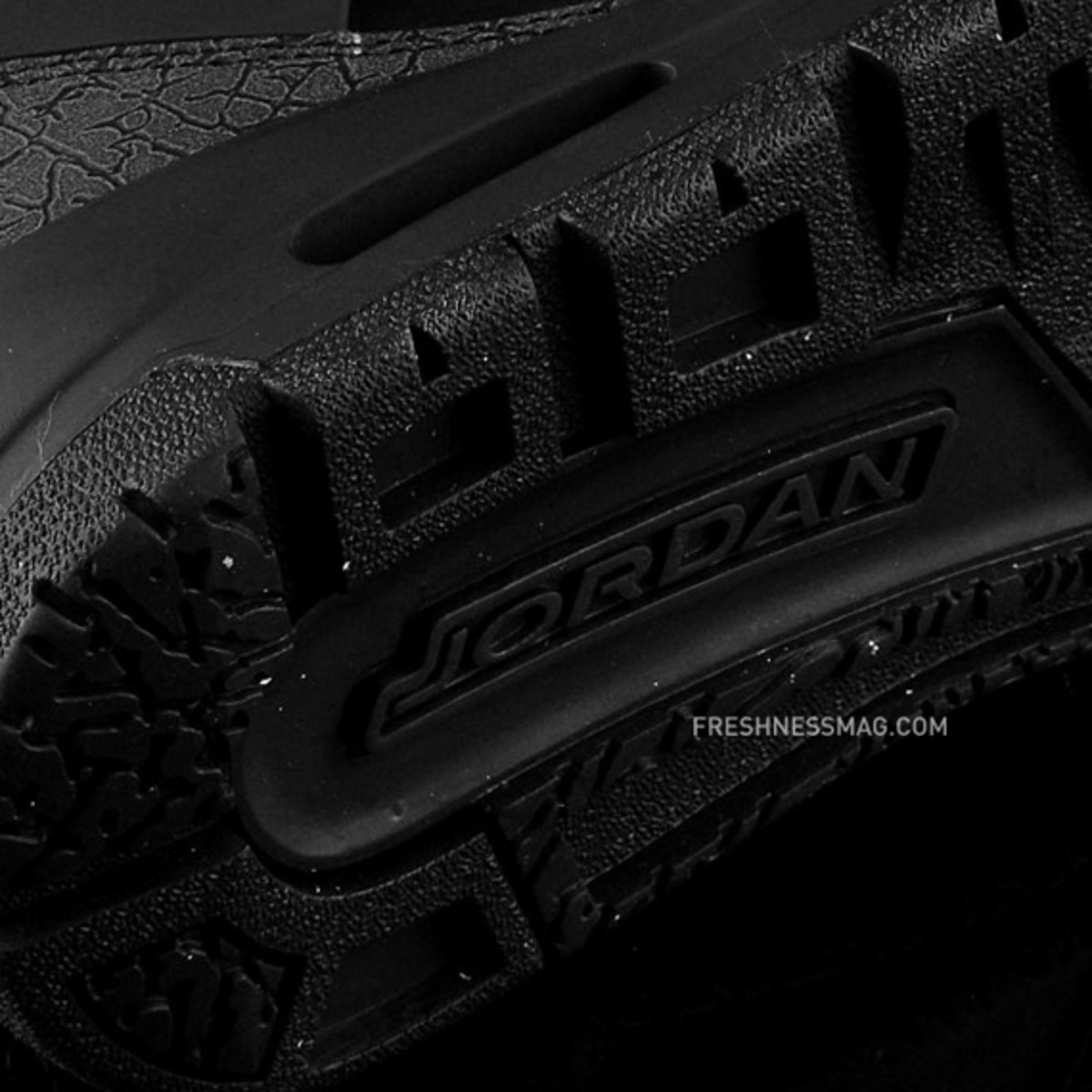 air-jordan-winterized-spizike-black-anthracite-12