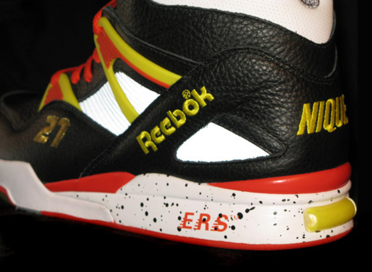 packer-shoes-x-reebok-nique-pump-omni-zone-detailed-images-15