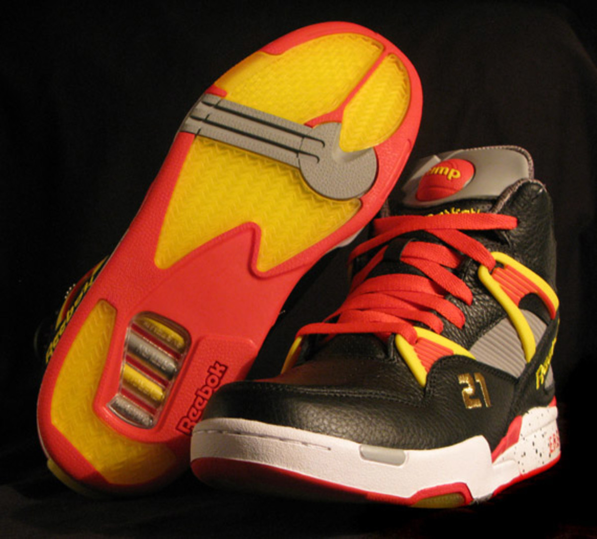 packer-shoes-x-reebok-nique-pump-omni-zone-detailed-images-10