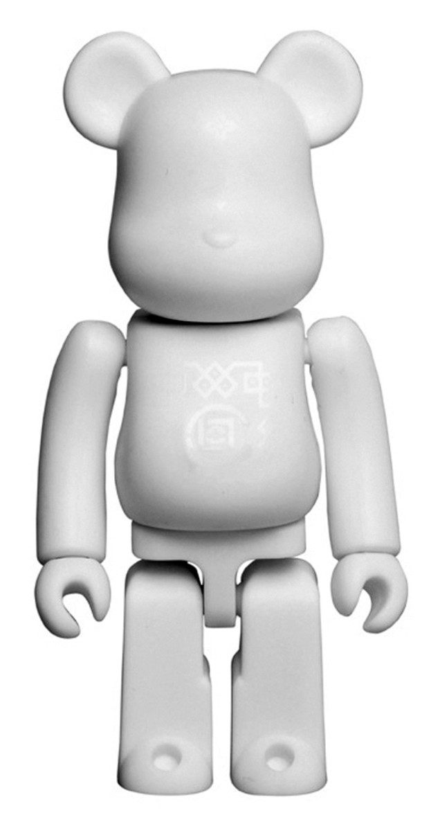 medicom-toy-clot-silk-bearbrick-07-a
