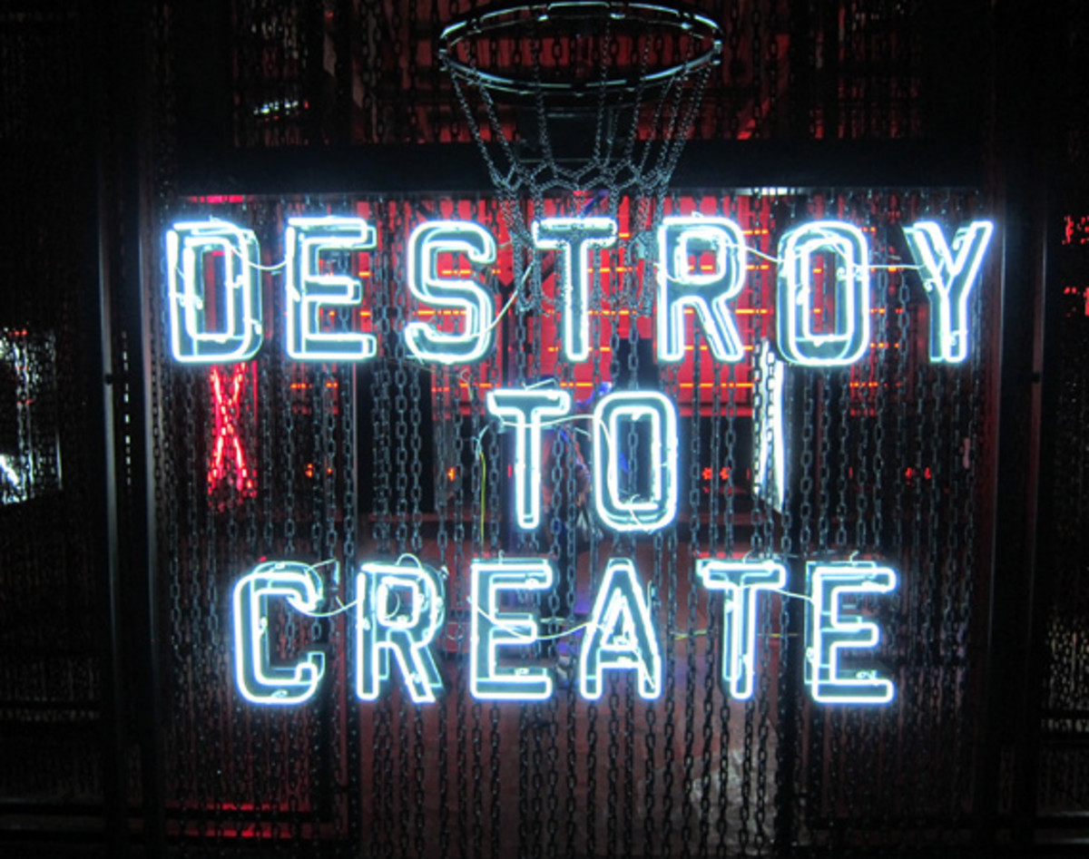 destroy-to-create-nike-sportswear-01