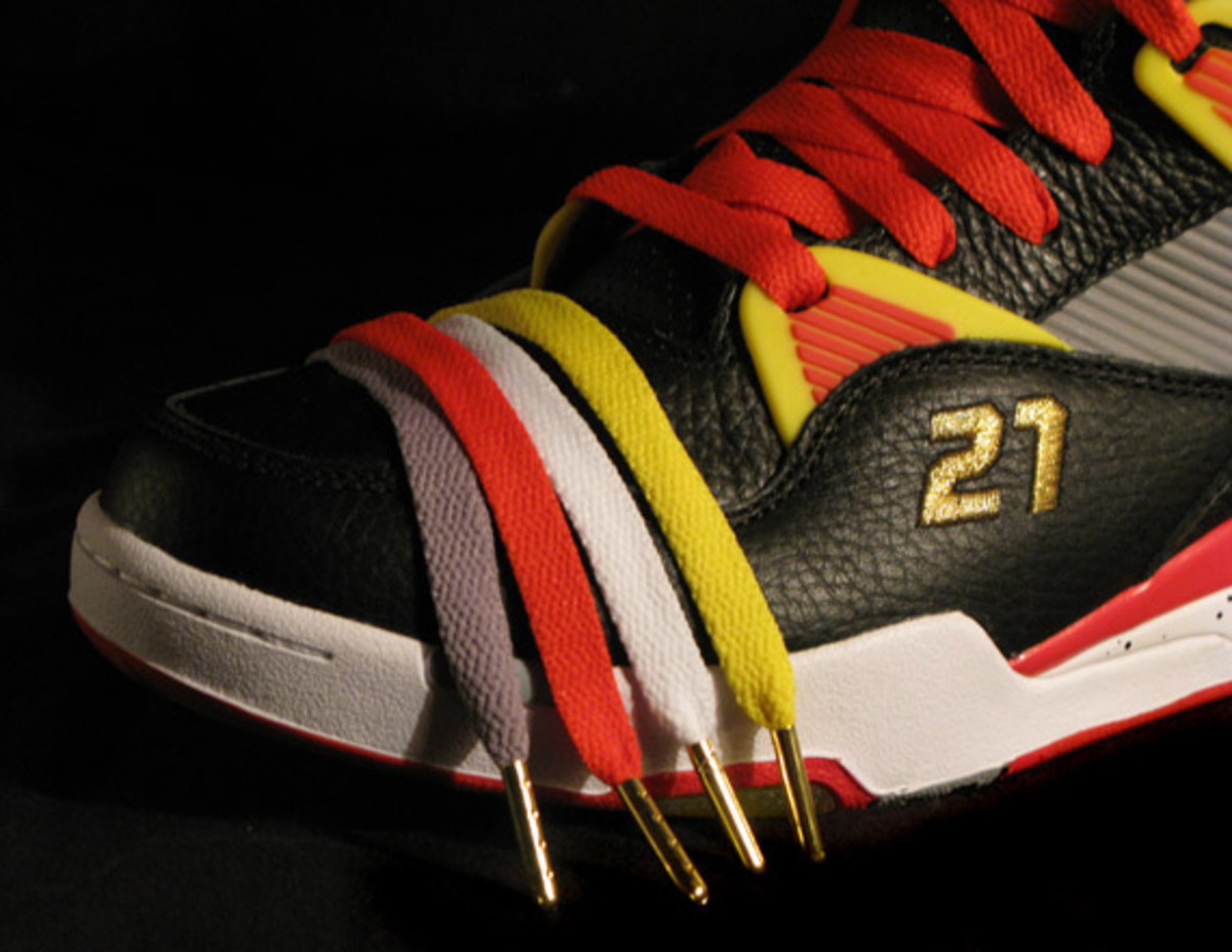 packer-shoes-x-reebok-nique-pump-omni-zone-detailed-images-14