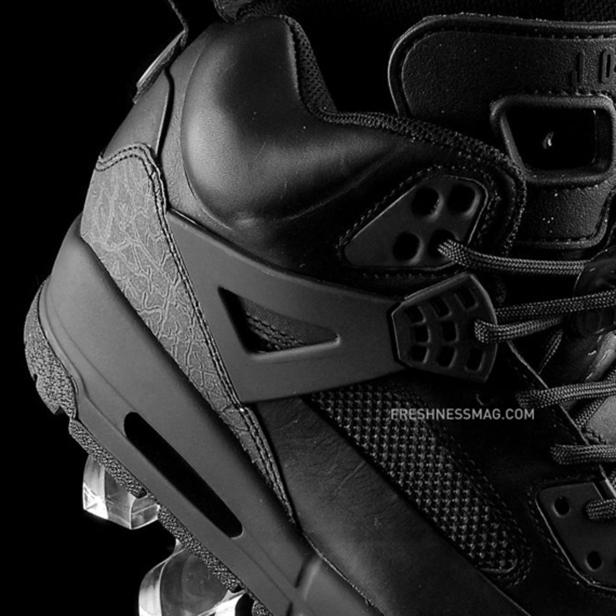 air-jordan-winterized-spizike-black-anthracite-03