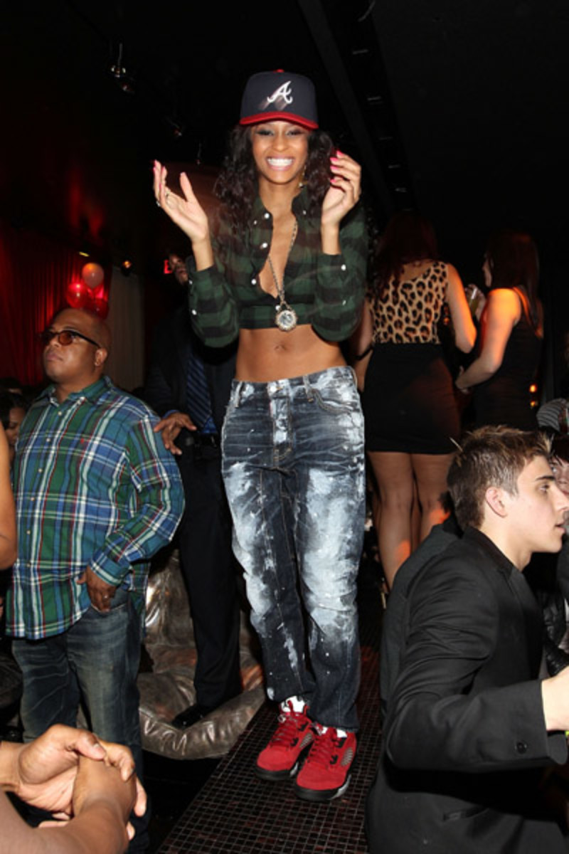 fresh-celeb-ciara-air-jordan-v-raging-bull-2