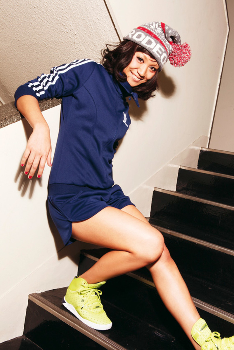 adidas-originals-japan-women-2010-lookbook-12
