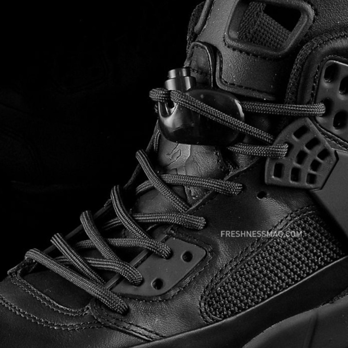 air-jordan-winterized-spizike-black-anthracite-05