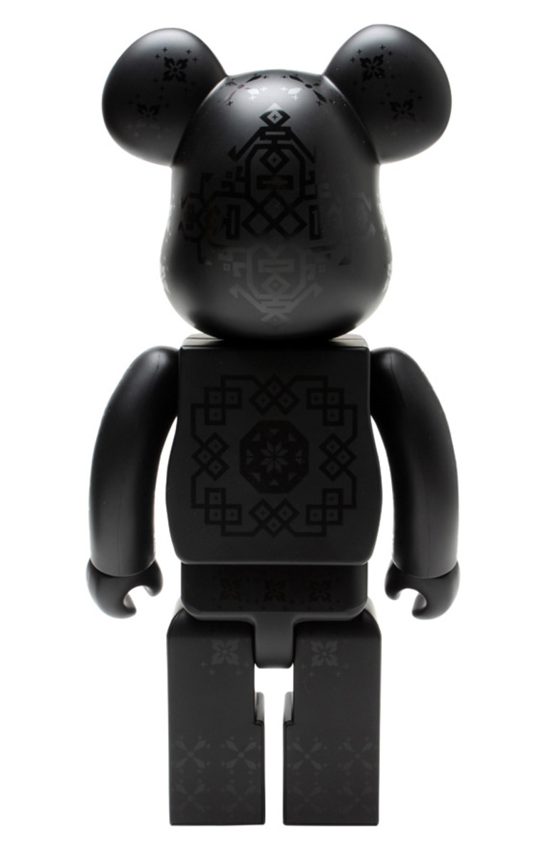 medicom-toy-clot-silk-bearbrick-05