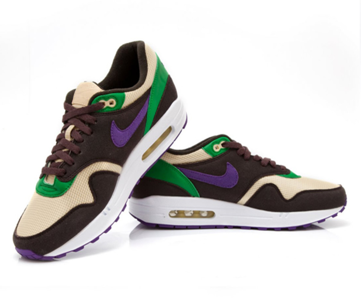 west-nyc-nike-limited-apparel-footwear-collection-02
