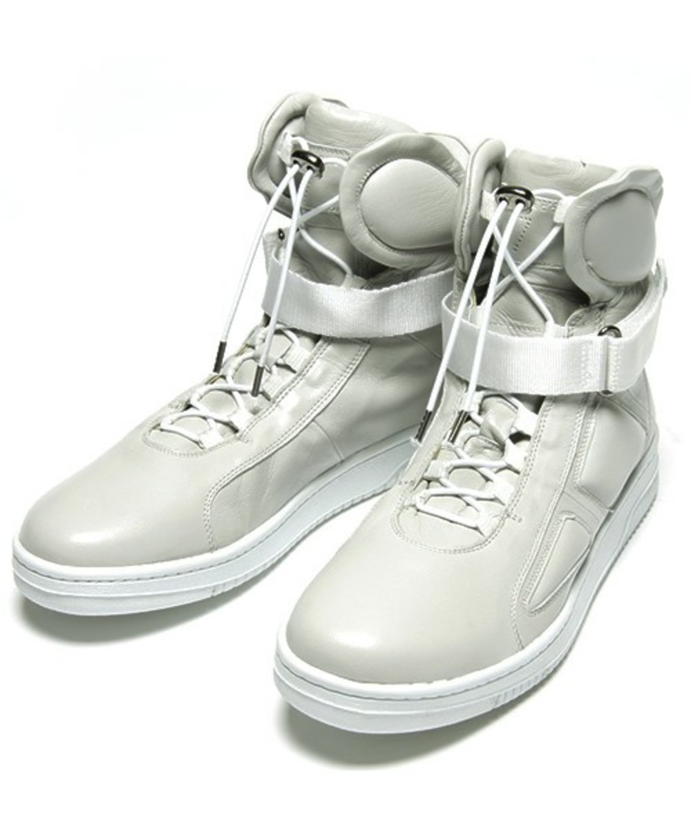 Marc Jacobs High Top Sneakers 2
