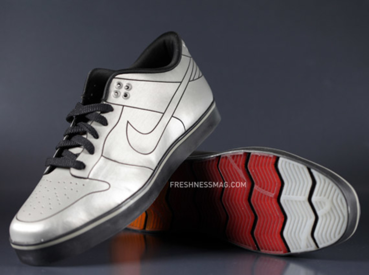 nike-dunk-delorean-08