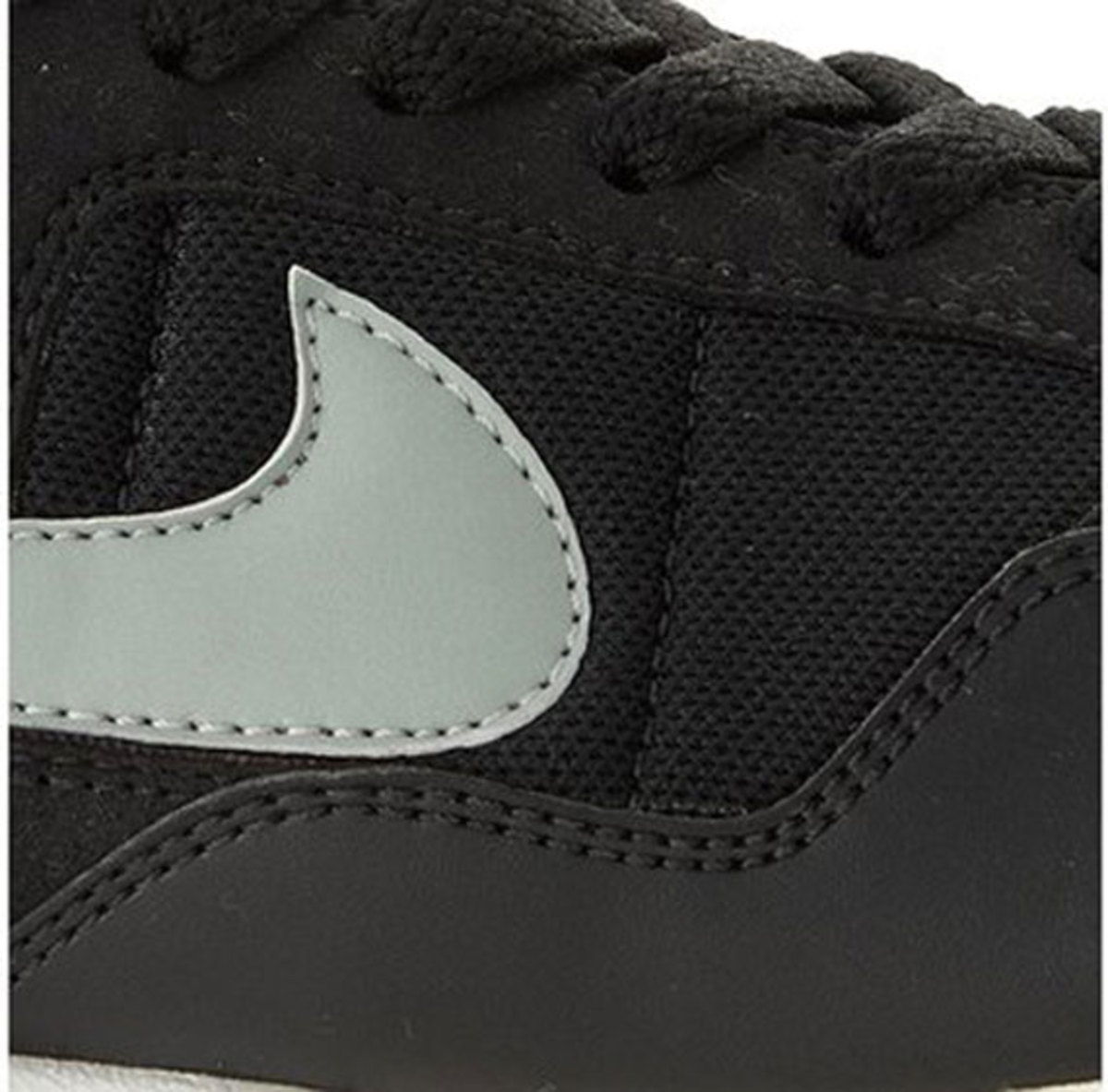 nike-air-pegasus-black-4