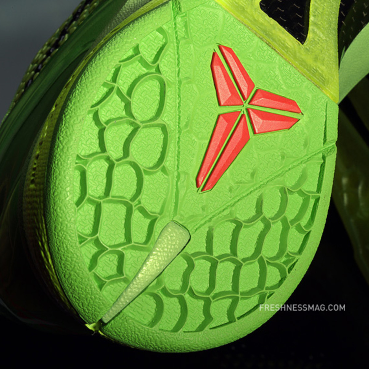 nike-basketball-christmas-day-2010-02b